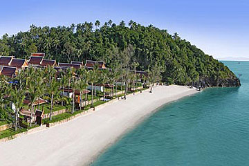 Samui Holiday Homes presents private beach house rental at Dhevatara Cove, Koh Samui, Thailand