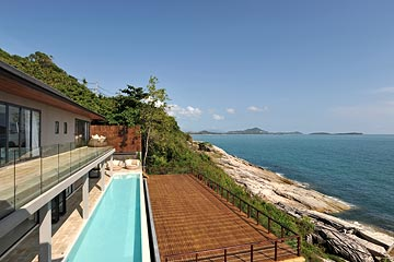 Samui Holiday Homes presents luxury sea front house for rent at Villa Samayra, Koh Samui, Thailand