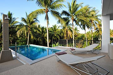 Samui Holiday Homes presents private luxury vacation rental at Wild Palms Villa, Koh Samui, Thailand